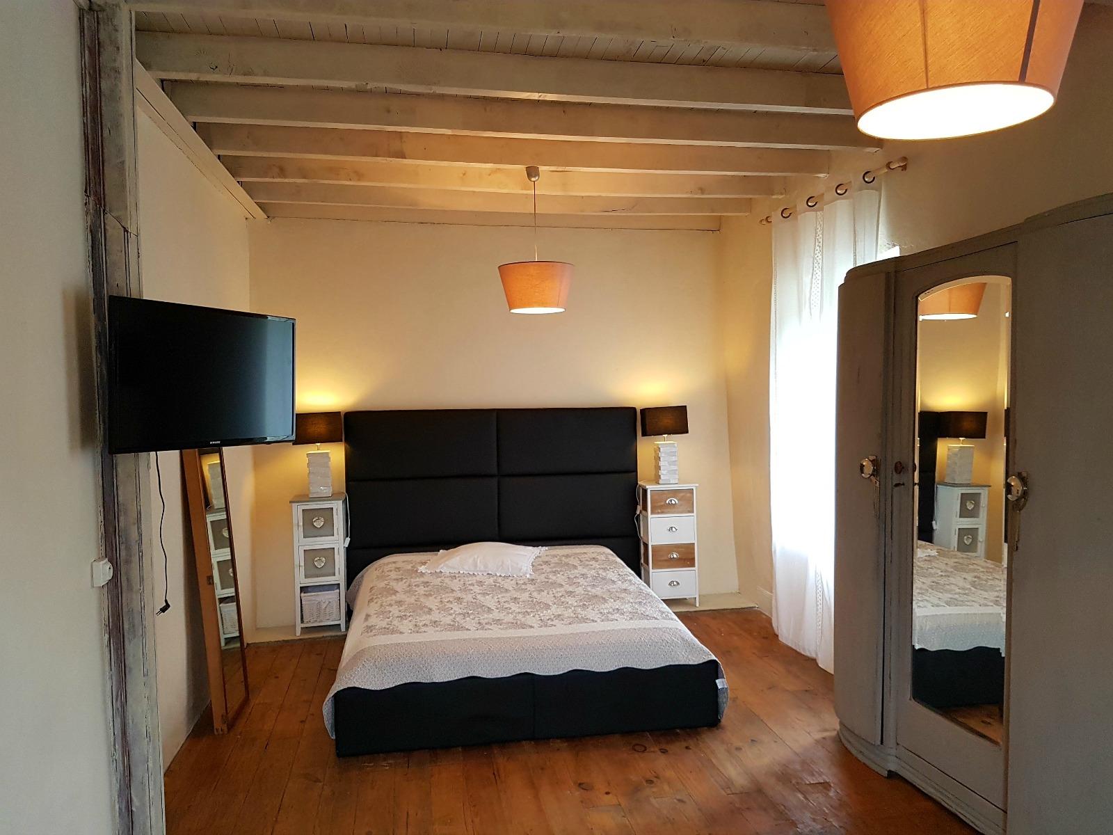 Chambres d'hôtes Chez Valérie  Chambre lit double © Valérie Vallet-Mesplou