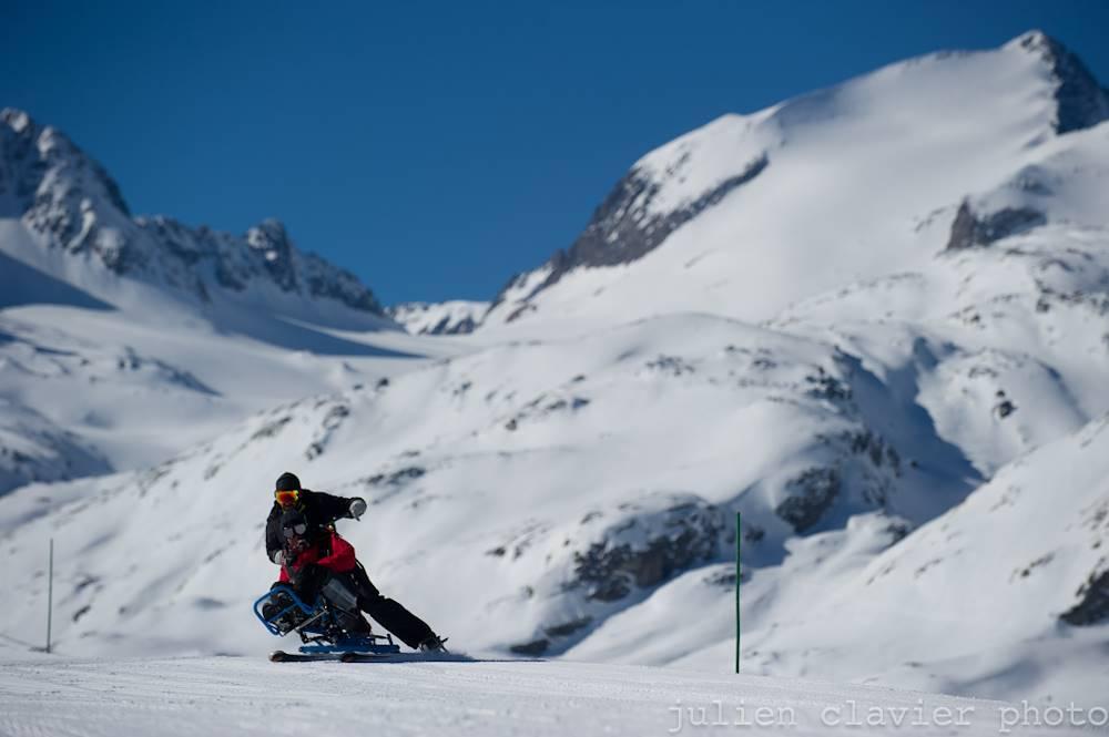 L'Anae vous propose du CIMGO, le ski assis ! © ©ANAE