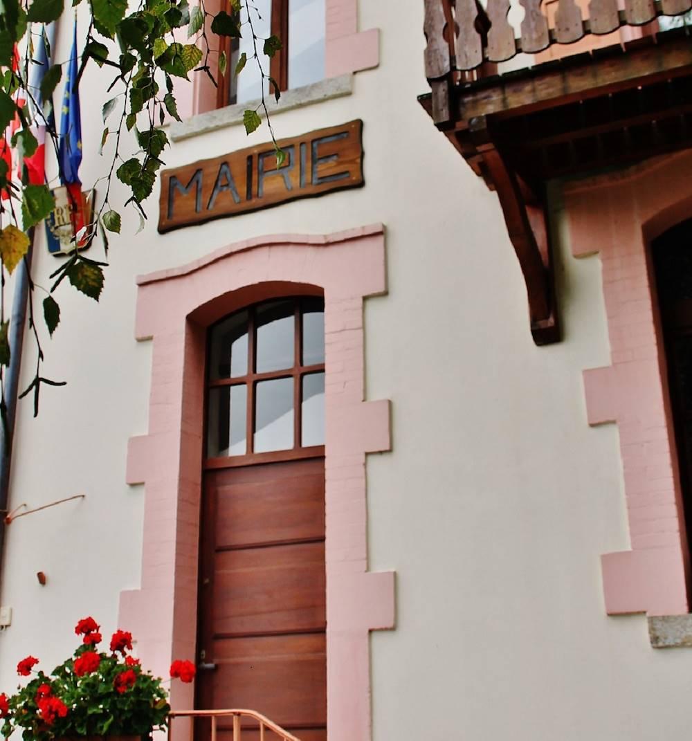 Mairie Montgilbert ©