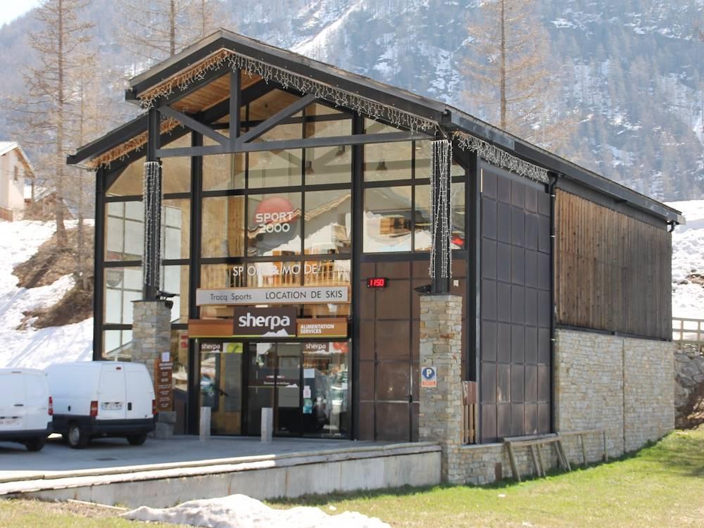 bessans-commerce-sherpa-superette © Haute Maurienne Vanoise Tourisme - Caroline Royer