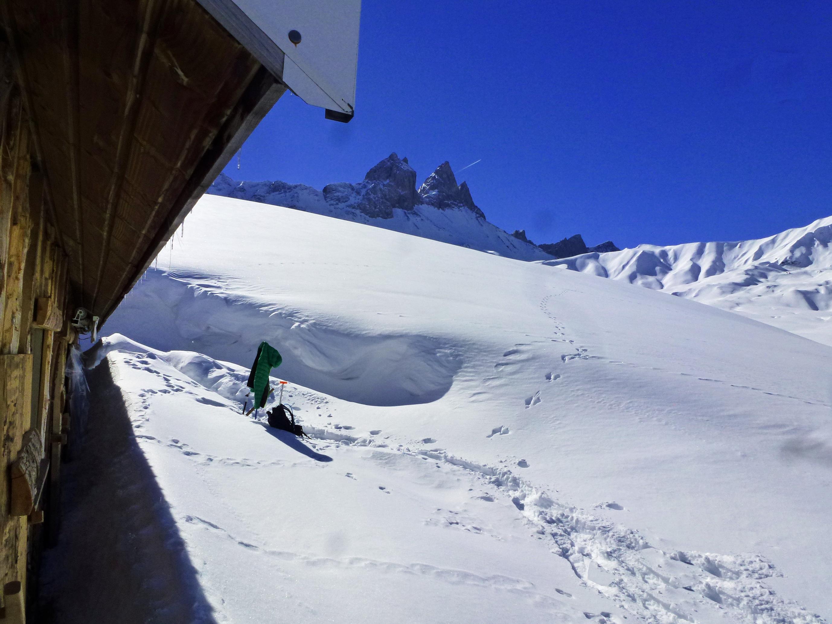 Le chalet d'alpage sous les Aiguilles d'Arves en hiver © Yves Vionnet