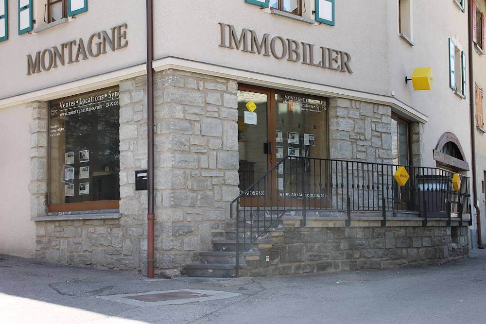 Montagne immobilier © C. Royer