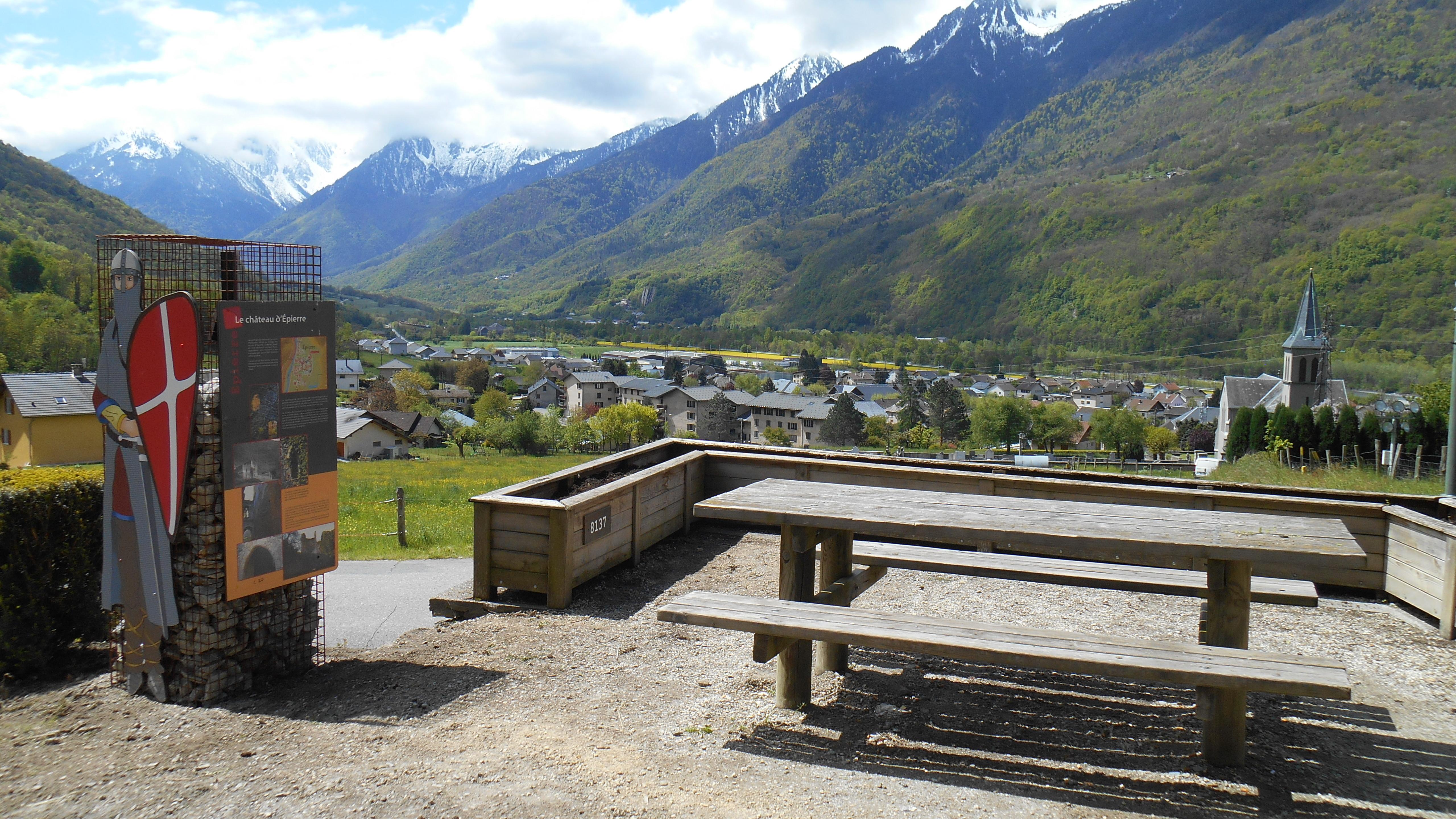 Aire de pique-nique d'Eiperre © OT Porte de Maurienne
