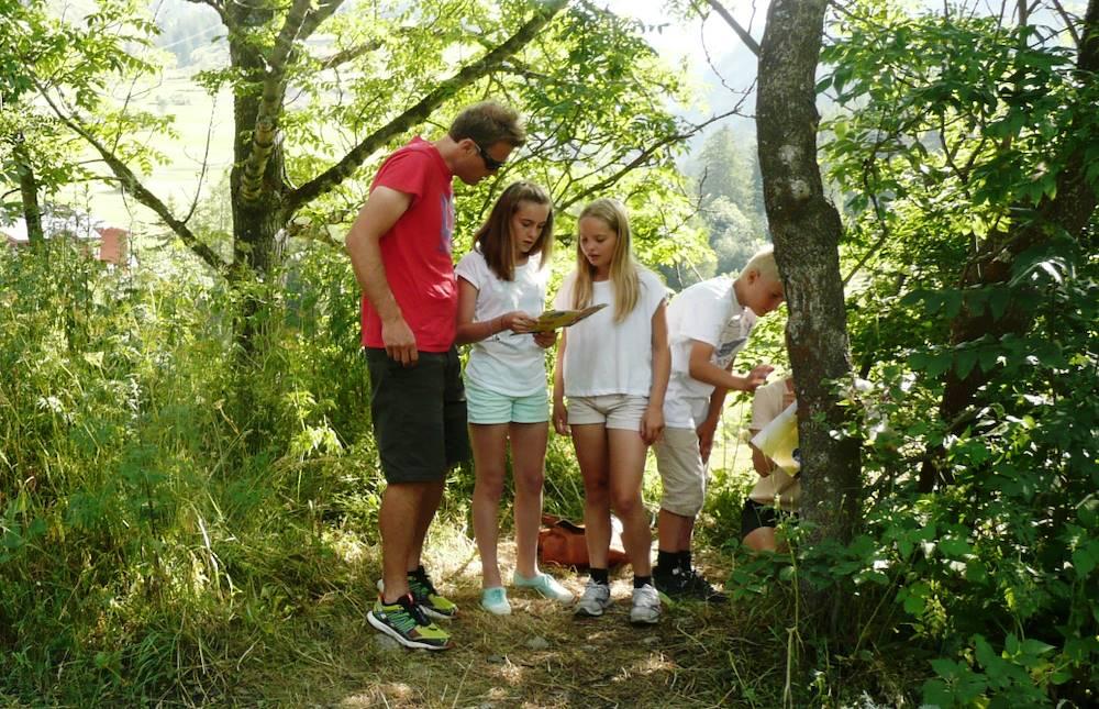 parcours-jeux-chasse-au-tresor-haute-maurienne-vanoise-val-cenis © OT Haute Maurienne Vanoise - Ingrid Pauwels-Etiévant