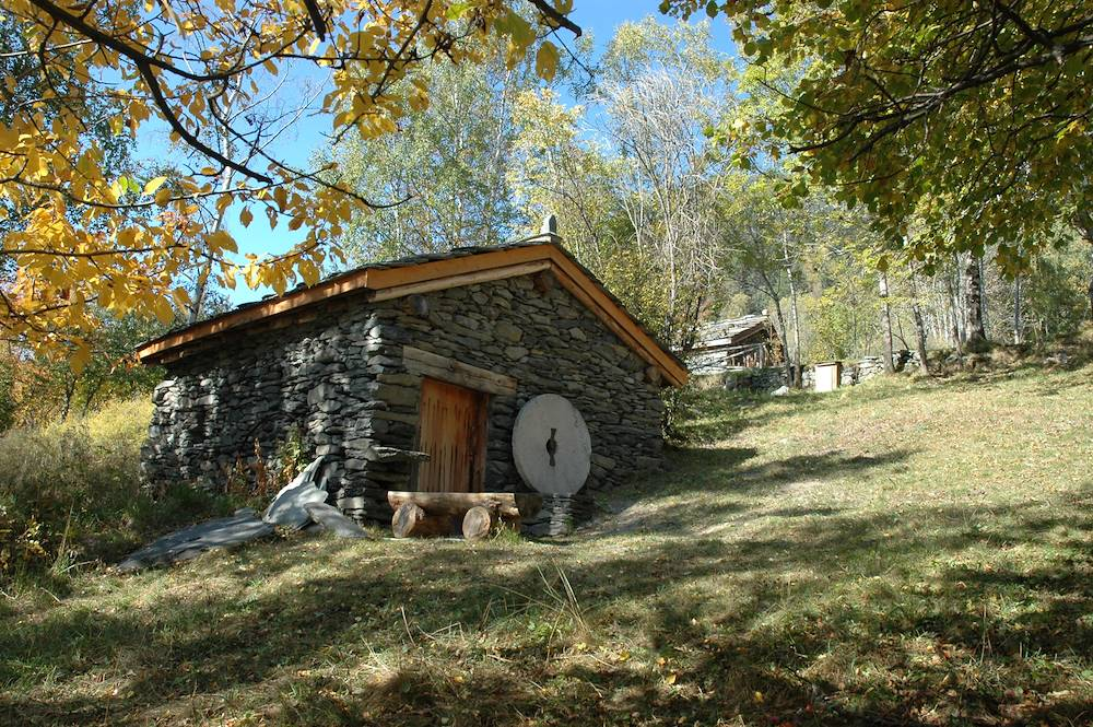 modane-moulins-pralognan-batiment © Association les Moulins de Pralognan de Saint André
