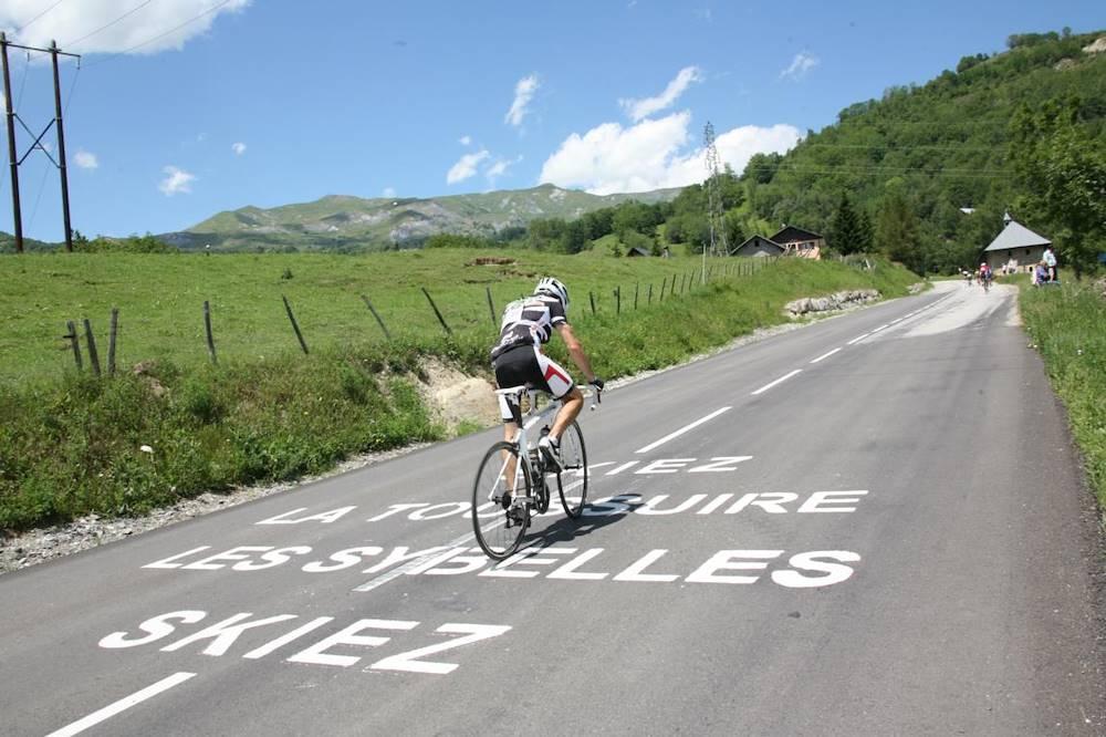 Ascension of La Toussuire during the Tour de France in 2012 © clic-clac photo