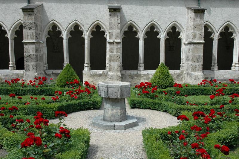 The convent of saint jean baptiste cathedral saint jean - Office de tourisme st jean de maurienne ...