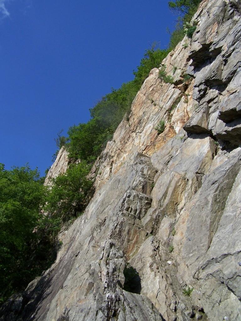 Site escalade Ste Marie de Cuines © Camptocamp.org