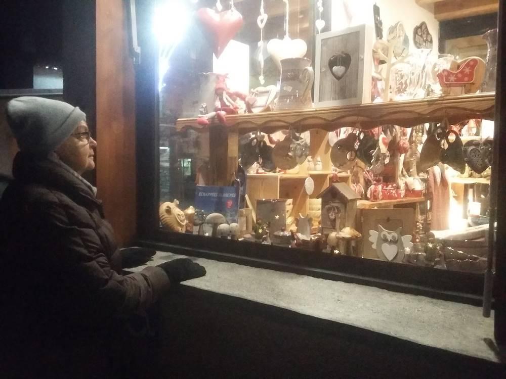 bessans-commerces-coin-hiver-vitrines © Haute Maurienne Vanoise Tourisme - Ingrid Pauwels-Etiévant