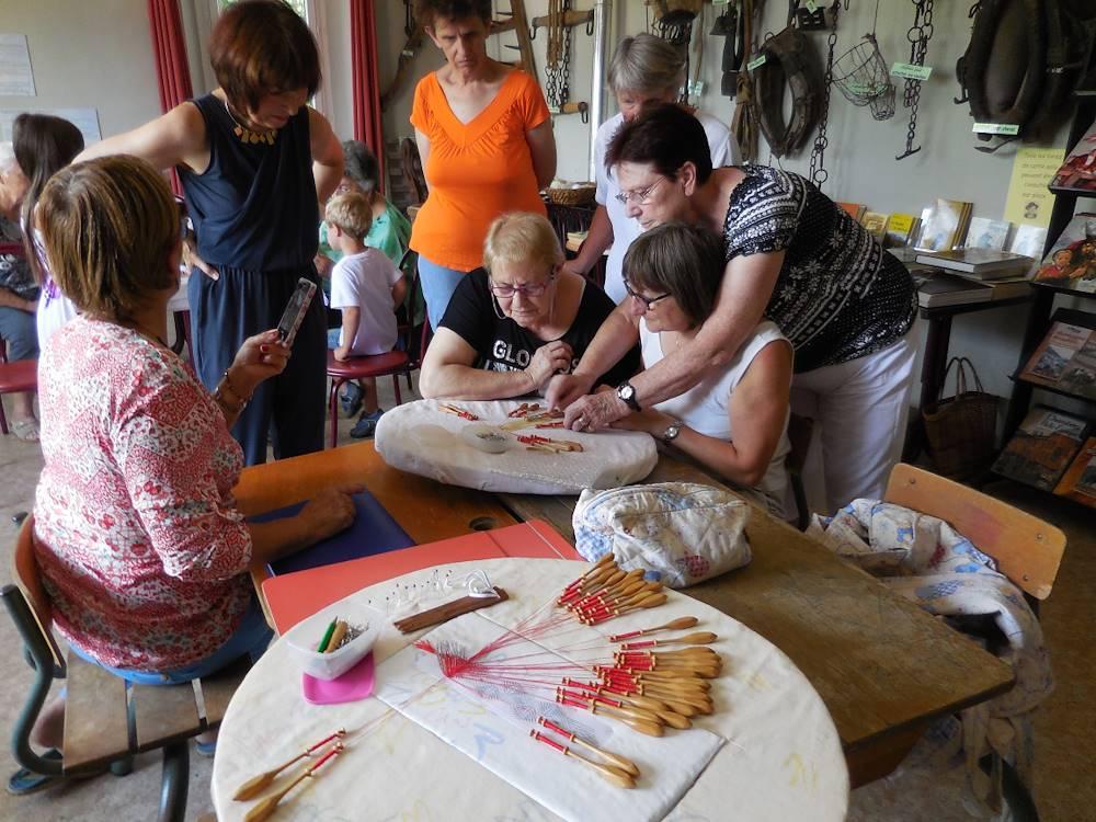 Atelier dentelles © Assoc Argentine autrefois pour demain