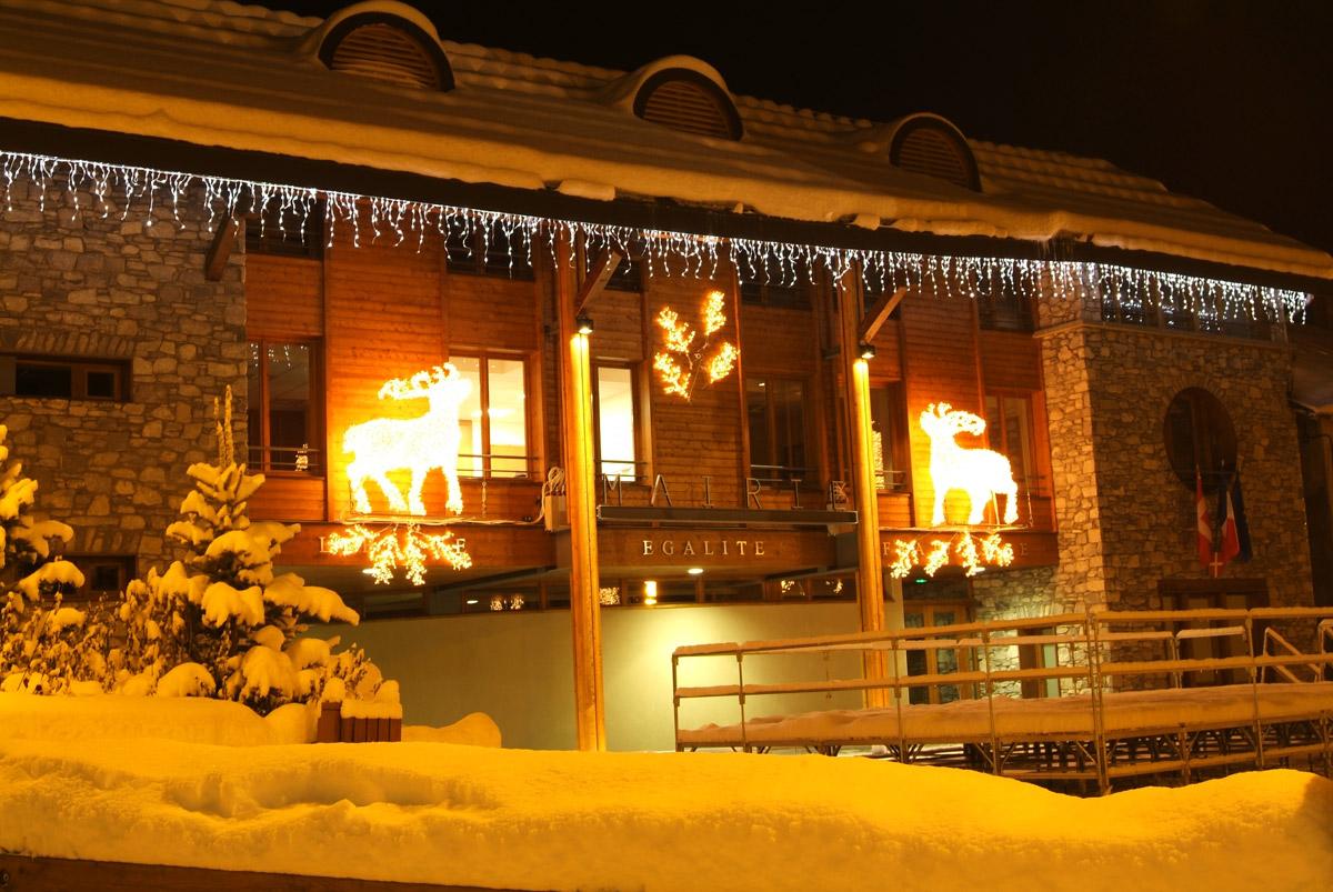 Mairie de Valloire - hiver © B. Grange / Ot Valloire