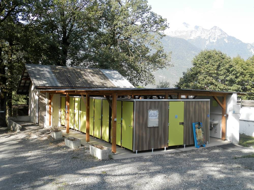 Camping le Bois Joli sanitaires1 © Grégory CHEVALLIER