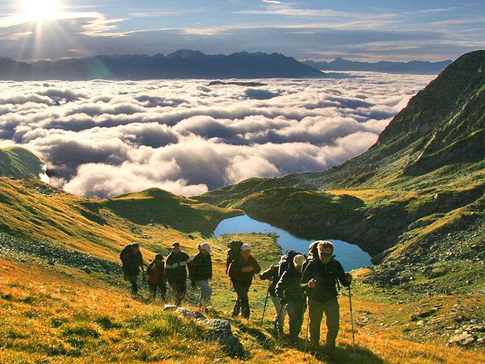 Randonnée avec nuit sous tente © Bureau Montagne des Arves