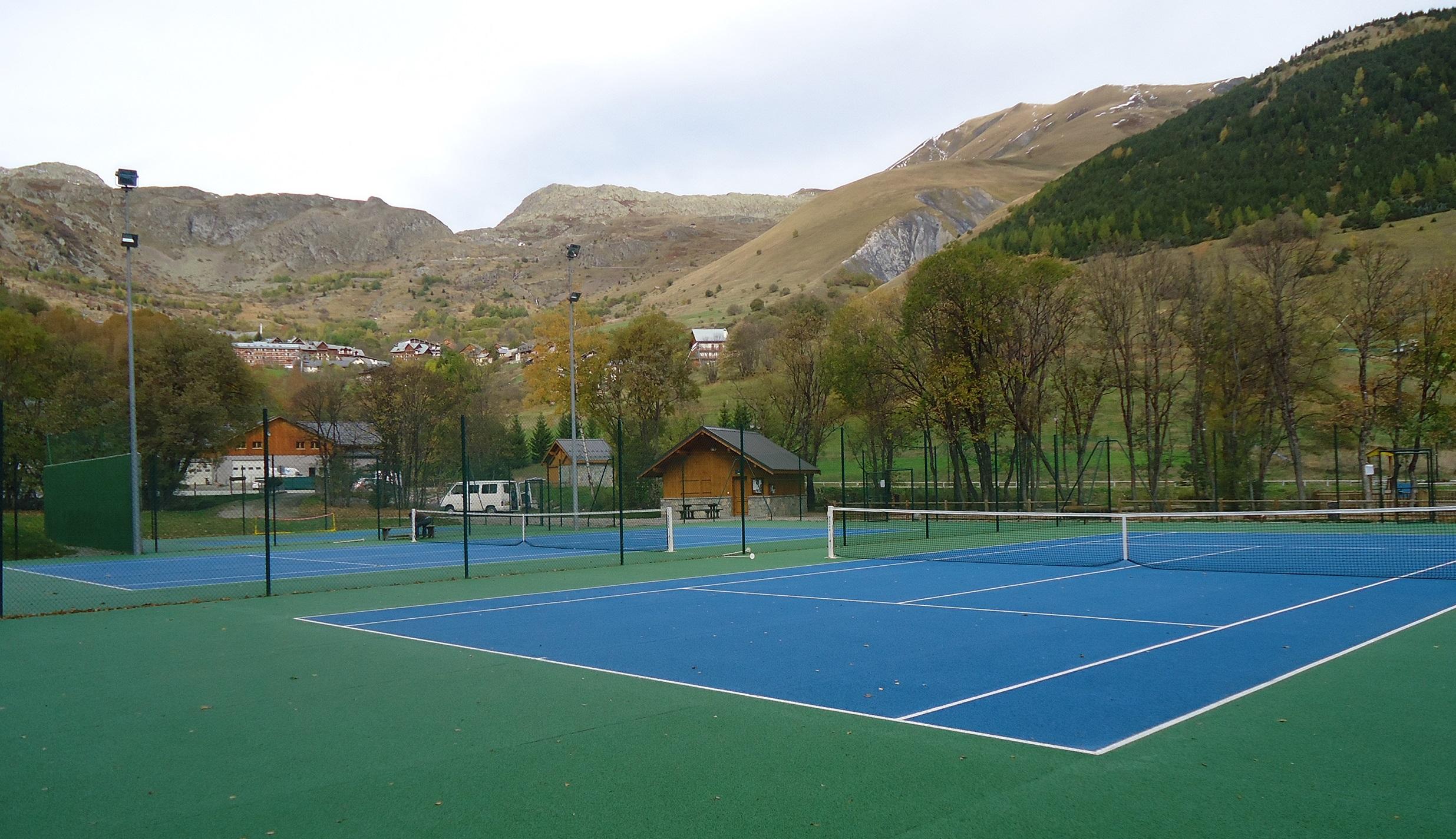 Tennis © Office de Tourisme de Saint Sorlin d'Arves