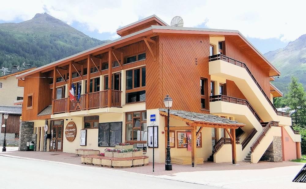 Mairie V.Cenis Lanslevillard © Mossot via Wikipedia