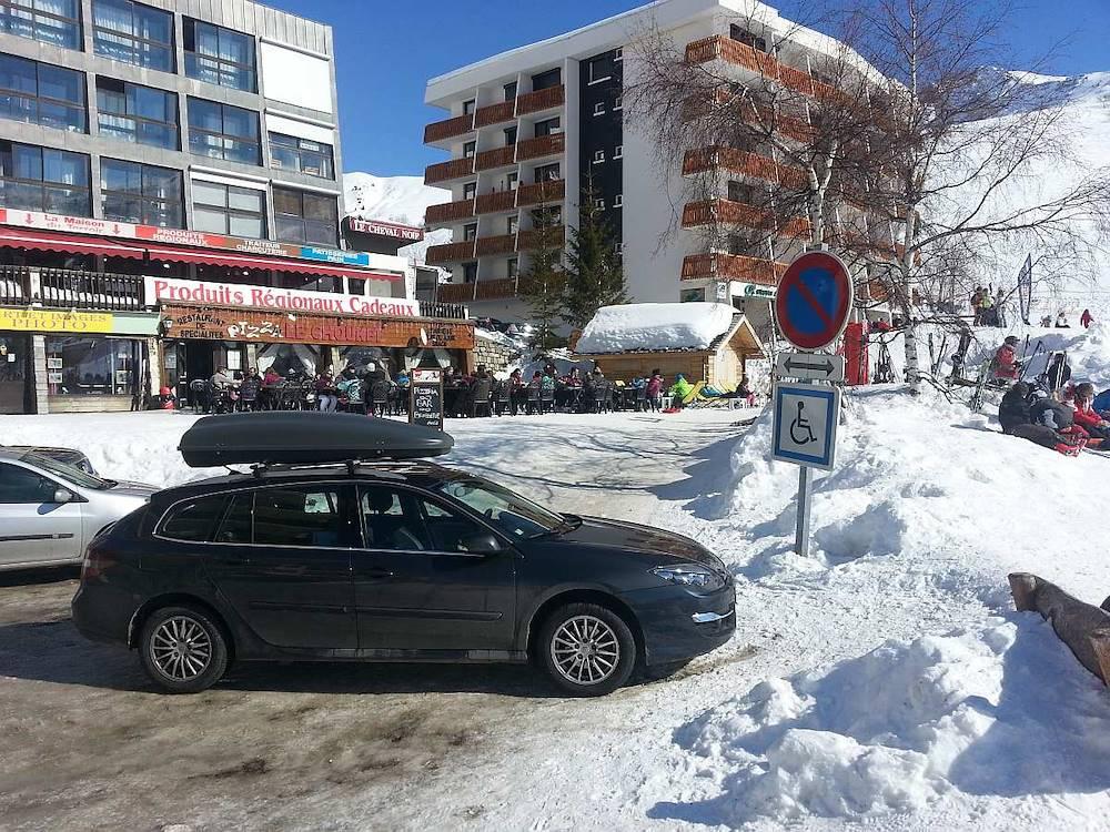 Parking Montjoie - Saint-François-Longchamp © Cyril Noel