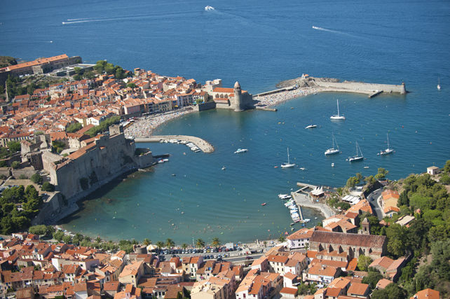 http://proxy-img4.for-system.com/img.aspx?src=http://www.pyrenees.fr/InfoliveImages/format-642_430/mer/collioure/collioure-baie-mediterranee-pyrenees-port.jpg