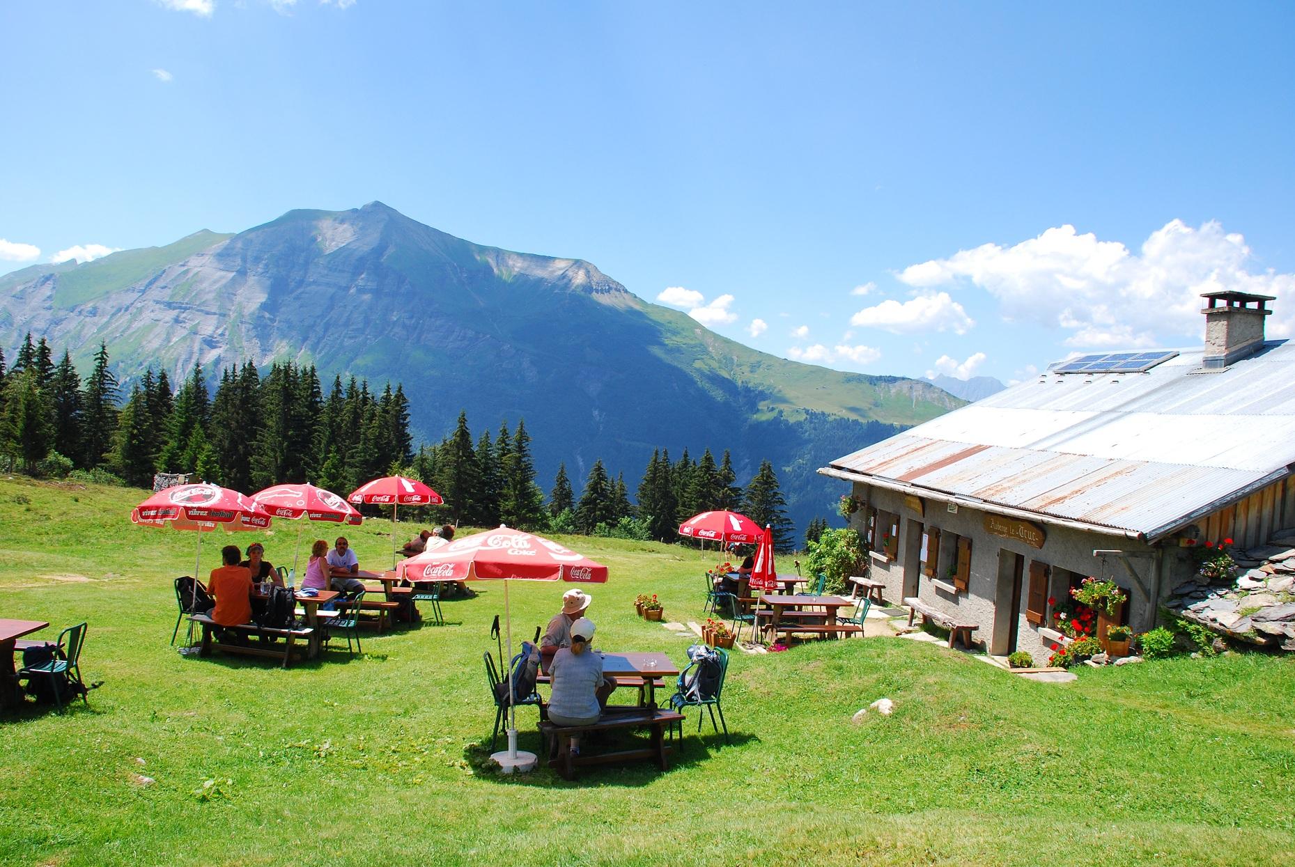 la terrasse et le Mont Joly