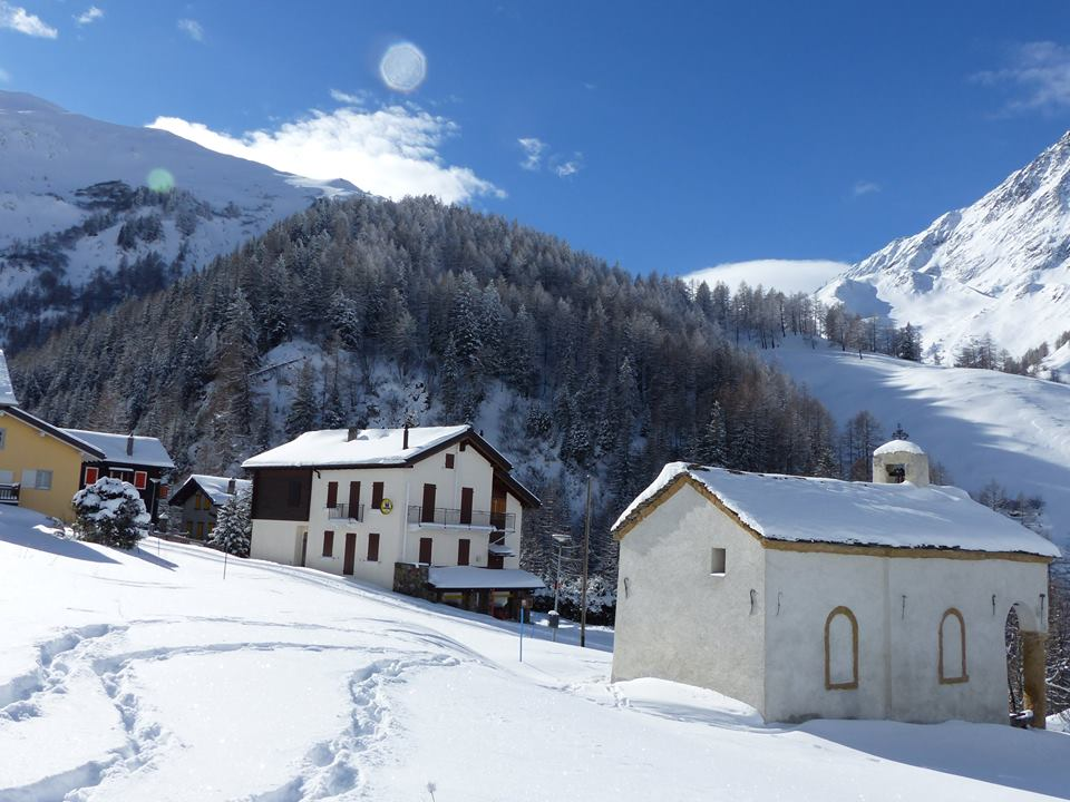 il borgo di Ferret durante l'inverno