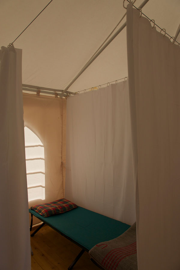 Des lits de camp + matelas air © d.simonet