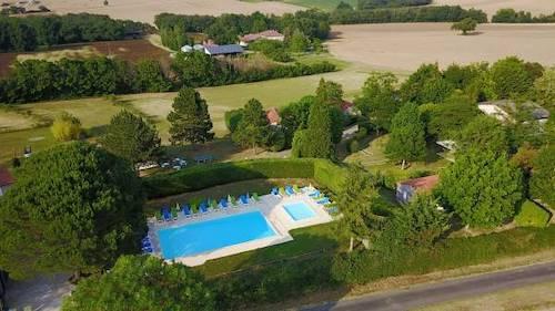 G tes avec piscine et villages vacances en midi pyr n es for Village vacances gers avec piscine