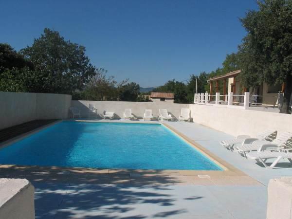 Location Vacances ST JEAN DE MARUEJOLS ET A